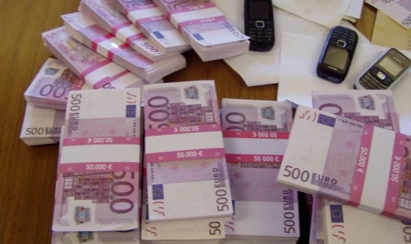 Ginevra: bagni ostruiti da migliaia di biglietti da 500 euro